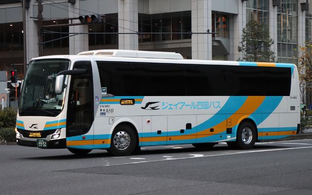 JR四国674-9952.1.jpg